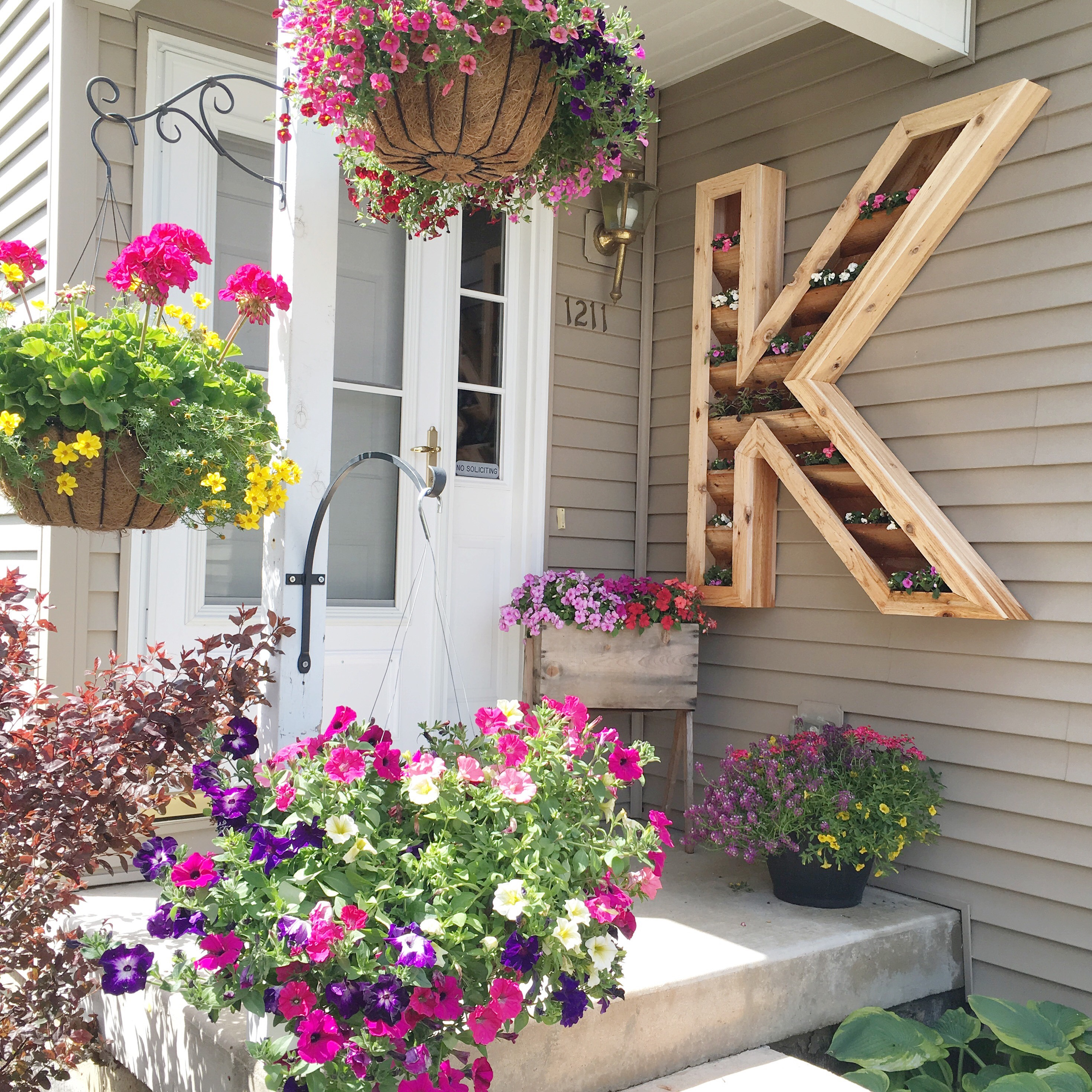 Diy Cedar Monogram Planter Box Ellery Designs