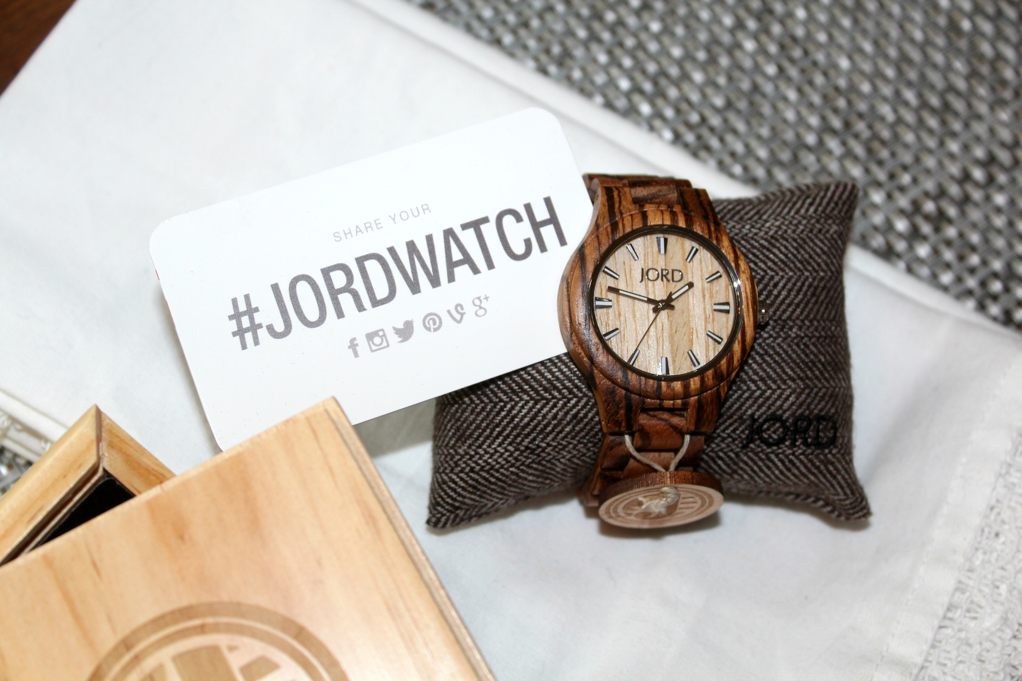 Jord Wood Watches Giveaway and Free Printables